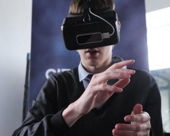 Московские ученые создали уникальные очки для адаптации незрячих пациентов